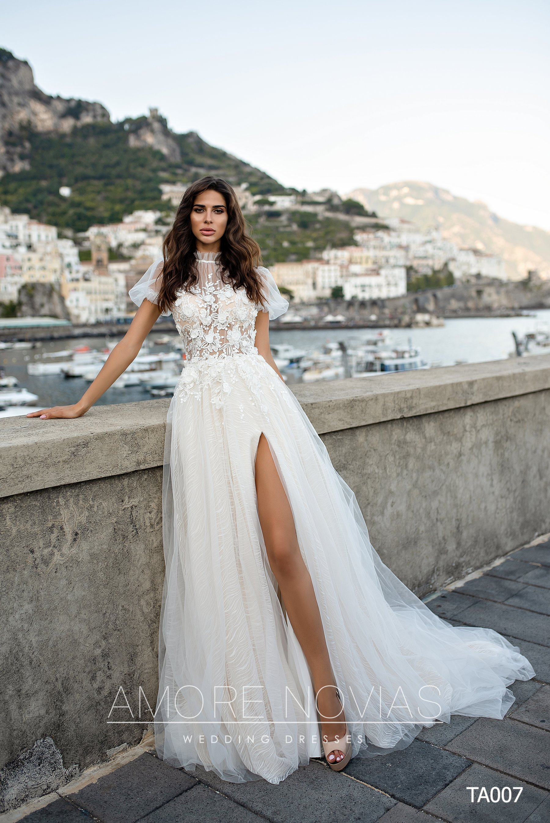 http://amore-novias.com/images/stories/virtuemart/product/TA007       (1).jpg