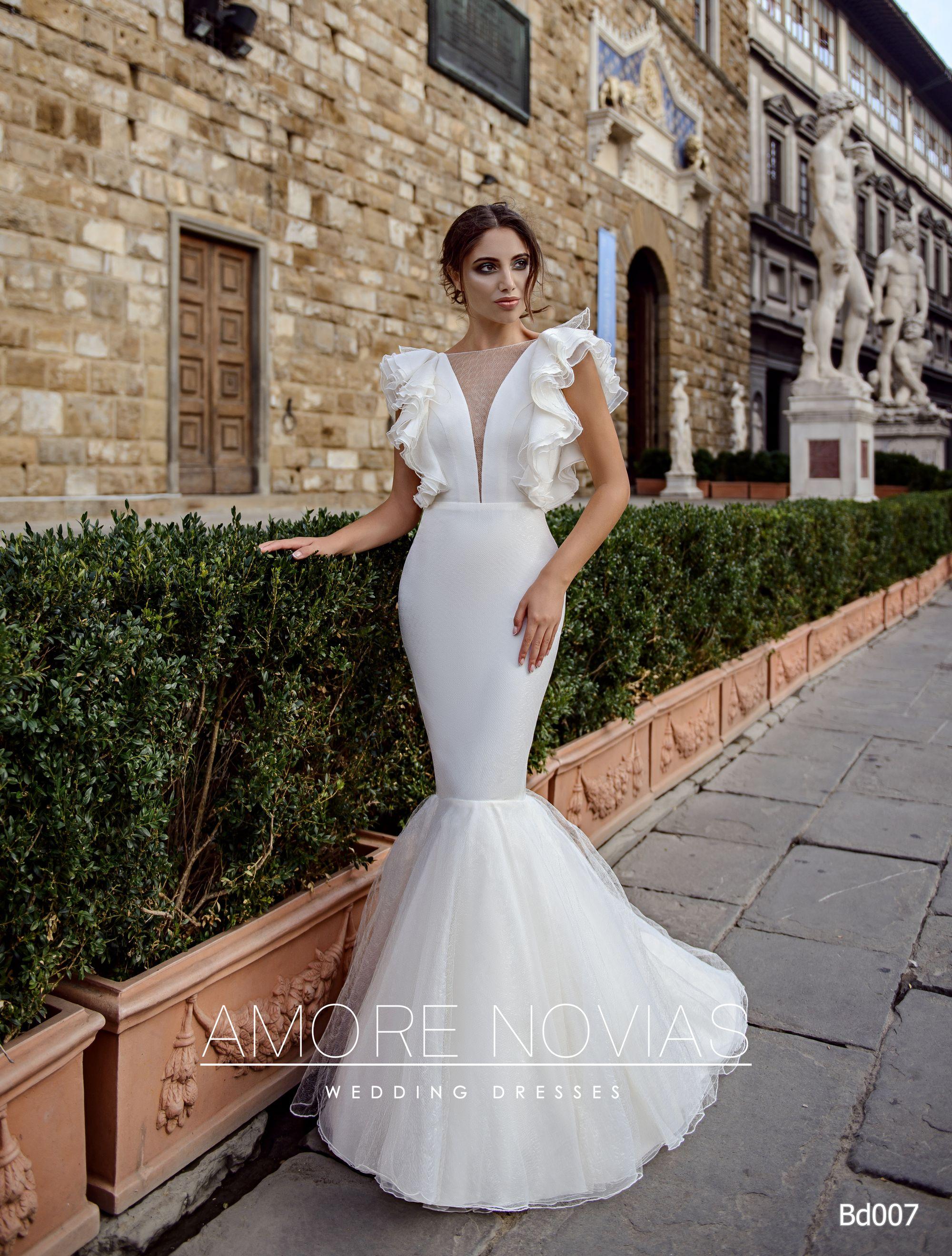 http://amore-novias.com/images/stories/virtuemart/product/bd007-------(1).jpg