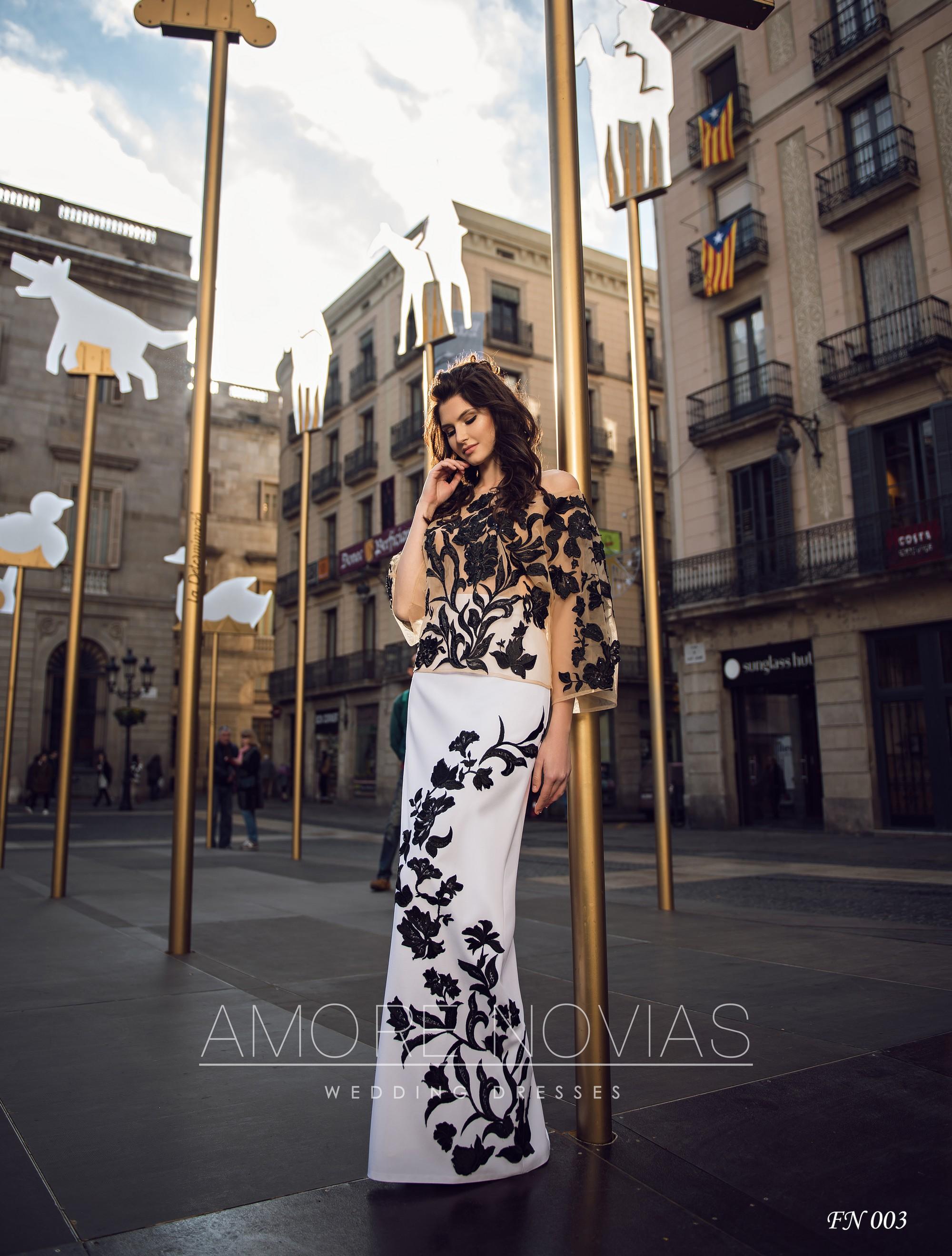http://amore-novias.com/images/stories/virtuemart/product/fn-003--------(1).jpg