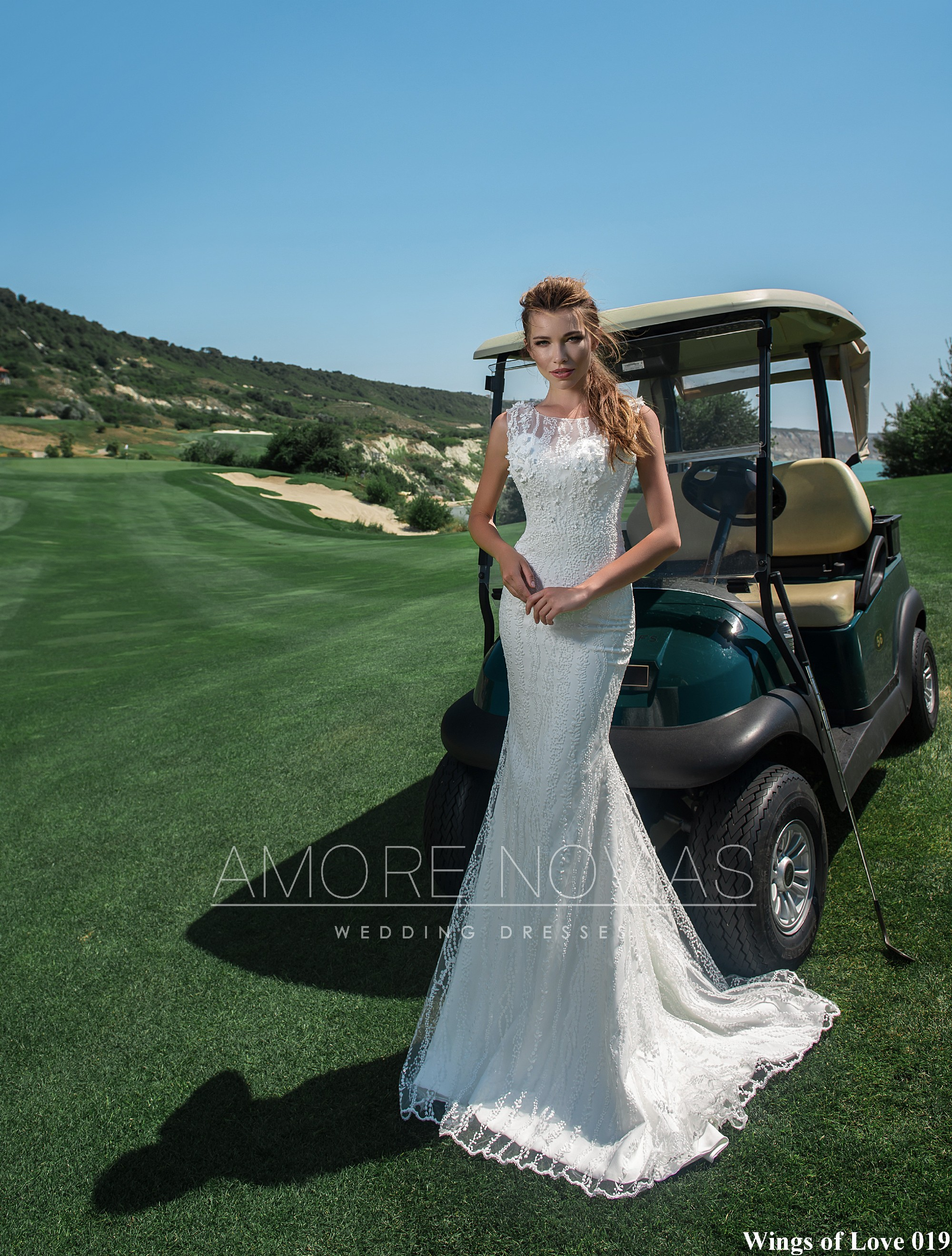 http://amore-novias.com/images/stories/virtuemart/product/lk-019-------(1).jpg