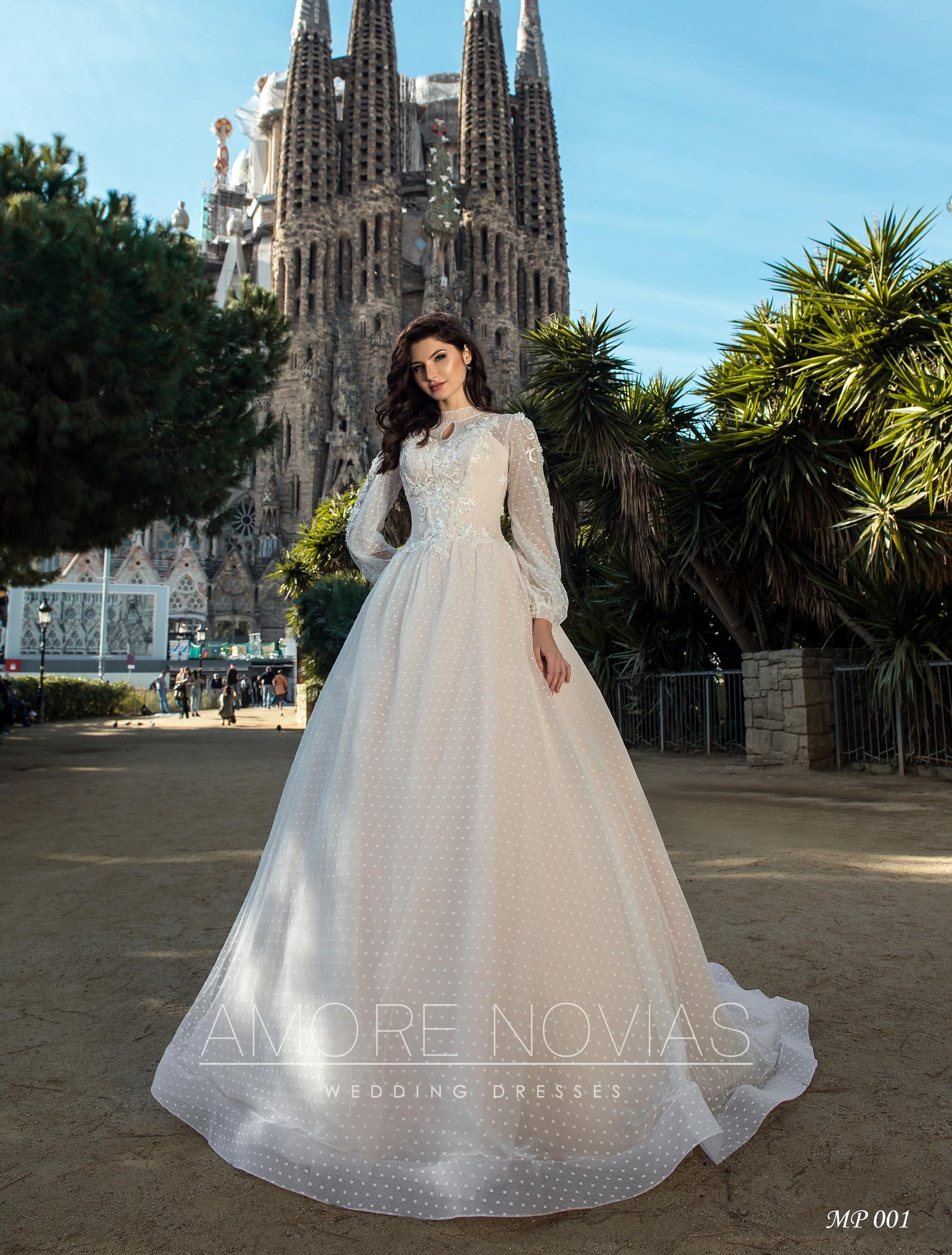 http://amore-novias.com/images/stories/virtuemart/product/mp-001-------(1).jpg