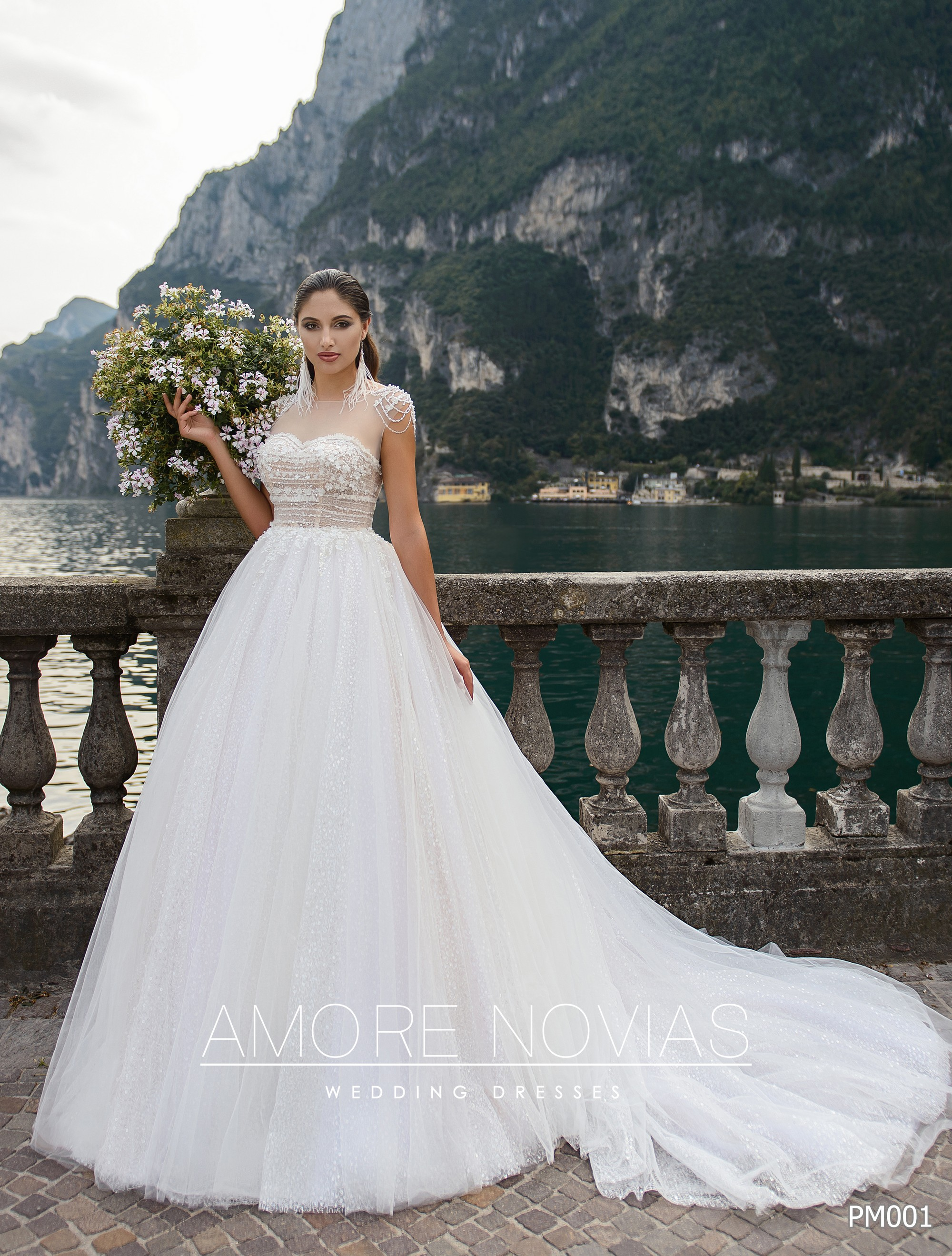 http://amore-novias.com/images/stories/virtuemart/product/pm001-(5)1-site.jpg