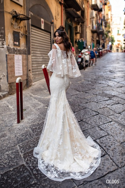 http://amore-novias.com/images/stories/virtuemart/product/OL005       (3).jpg
