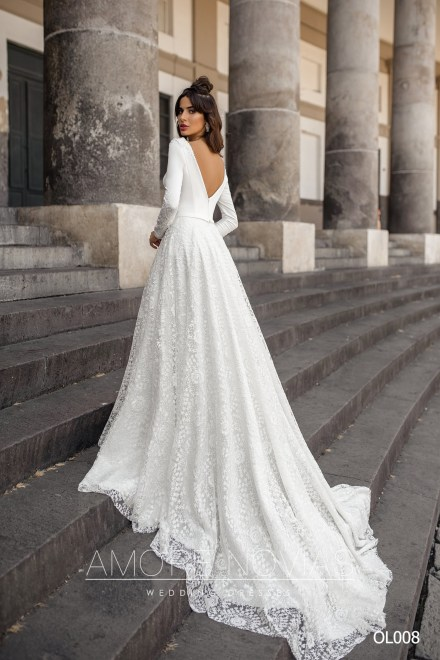 http://amore-novias.com/images/stories/virtuemart/product/OL008       (3).jpg