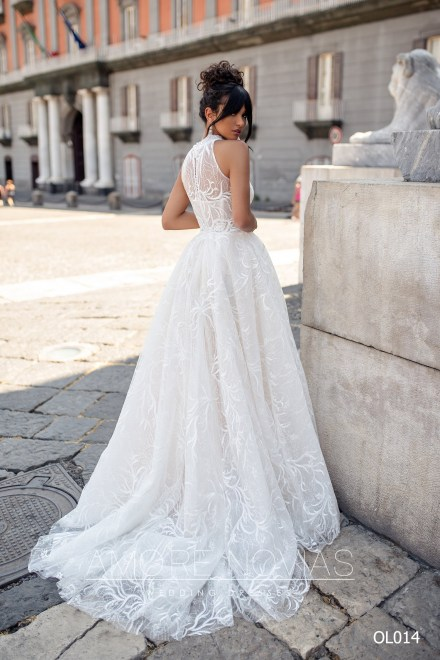 http://amore-novias.com/images/stories/virtuemart/product/OL014       (3).jpg
