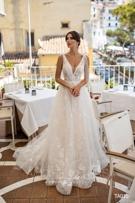 http://amore-novias.com/images/stories/virtuemart/product/TA010       (1).jpg