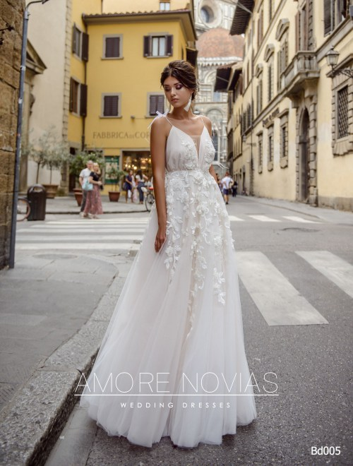 http://amore-novias.com/images/stories/virtuemart/product/bd005-------(1).jpg