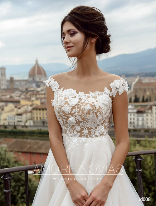 http://amore-novias.com/images/stories/virtuemart/product/bd008-------(2).jpg