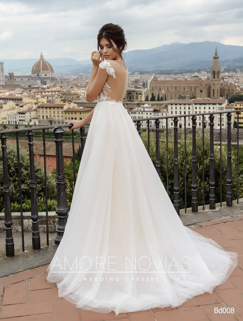 http://amore-novias.com/images/stories/virtuemart/product/bd008-------(3).jpg