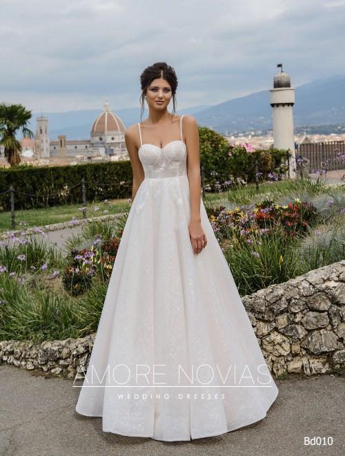 http://amore-novias.com/images/stories/virtuemart/product/bd010-------(1).jpg