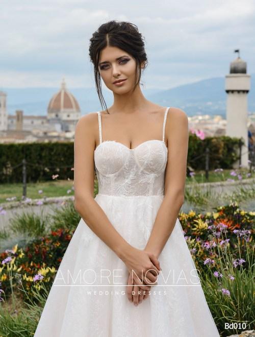http://amore-novias.com/images/stories/virtuemart/product/bd010-------(2).jpg