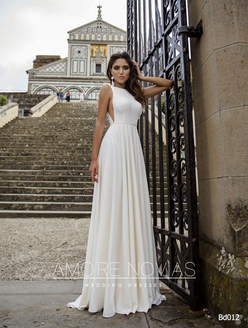 http://amore-novias.com/images/stories/virtuemart/product/bd012-------(1).jpg
