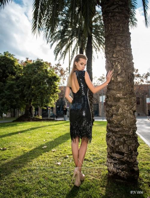 http://amore-novias.com/images/stories/virtuemart/product/fn-006--------(3).jpg
