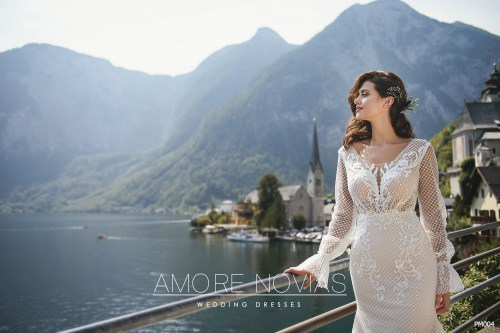 http://amore-novias.com/images/stories/virtuemart/product/for-bridal-pro13.jpg