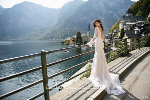http://amore-novias.com/images/stories/virtuemart/product/for-bridal-pro14.jpg