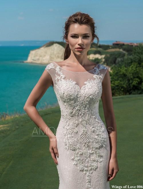 http://amore-novias.com/images/stories/virtuemart/product/lk-006-------(2).jpg