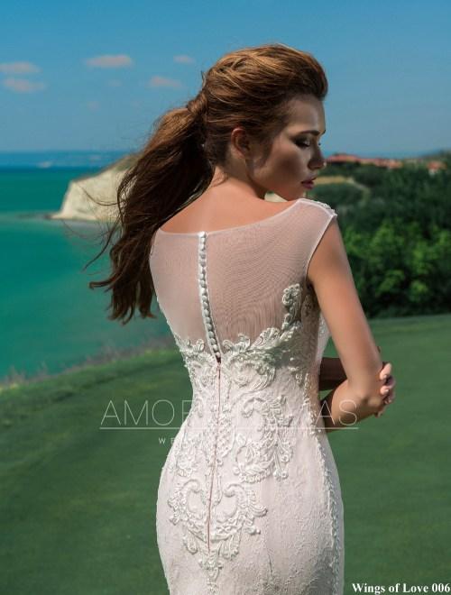 http://amore-novias.com/images/stories/virtuemart/product/lk-006-------(4).jpg