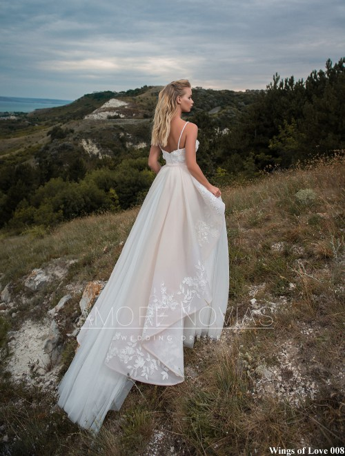 http://amore-novias.com/images/stories/virtuemart/product/lk-008-------(3).jpg