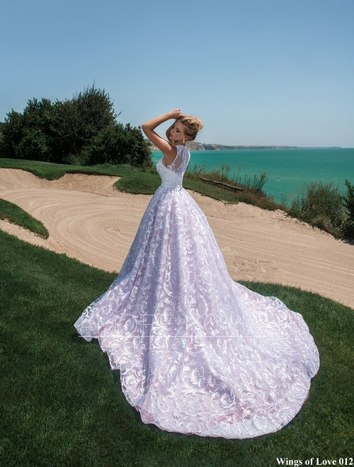 http://amore-novias.com/images/stories/virtuemart/product/lk-012-------(3).jpg