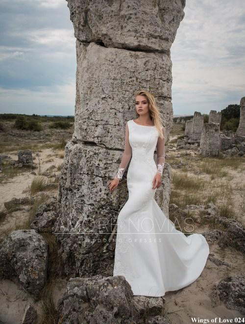 http://amore-novias.com/images/stories/virtuemart/product/lk-024-------(1).jpg