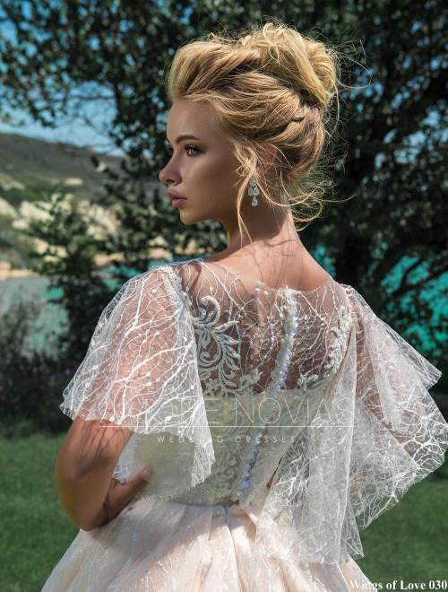 http://amore-novias.com/images/stories/virtuemart/product/lk-030-------(4).jpg