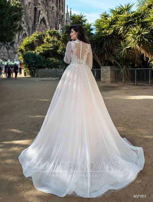 http://amore-novias.com/images/stories/virtuemart/product/mp-001-------(3).jpg