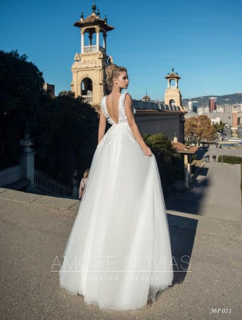 http://amore-novias.com/images/stories/virtuemart/product/mp-011--------(3).jpg