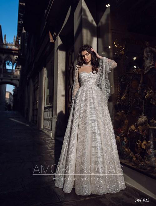 http://amore-novias.com/images/stories/virtuemart/product/mp-012--------(1).jpg