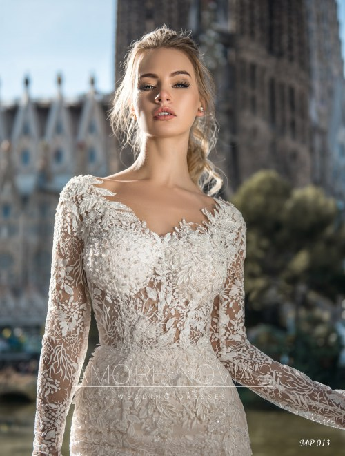 http://amore-novias.com/images/stories/virtuemart/product/mp-013--------(2).jpg