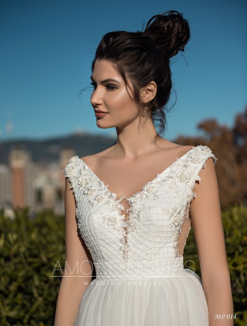 http://amore-novias.com/images/stories/virtuemart/product/mp-014--------(2).jpg