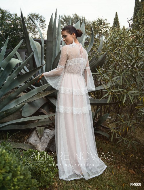 http://amore-novias.com/images/stories/virtuemart/product/pm009-------(3).jpg