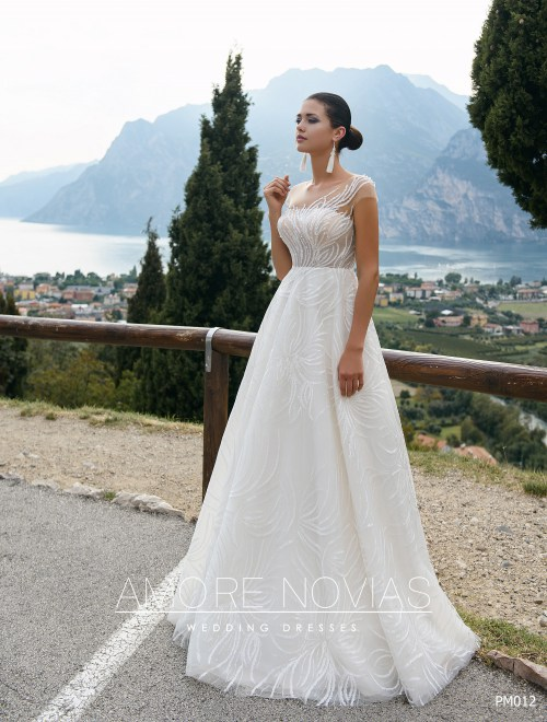 http://amore-novias.com/images/stories/virtuemart/product/pm012-------(1).jpg