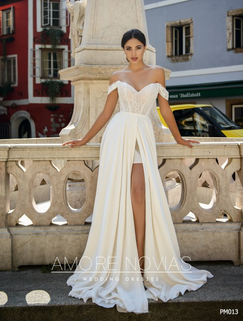 http://amore-novias.com/images/stories/virtuemart/product/pm013-------(2).jpg