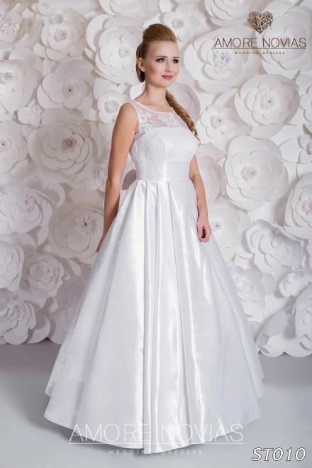 http://amore-novias.com/images/stories/virtuemart/product/st010.jpg