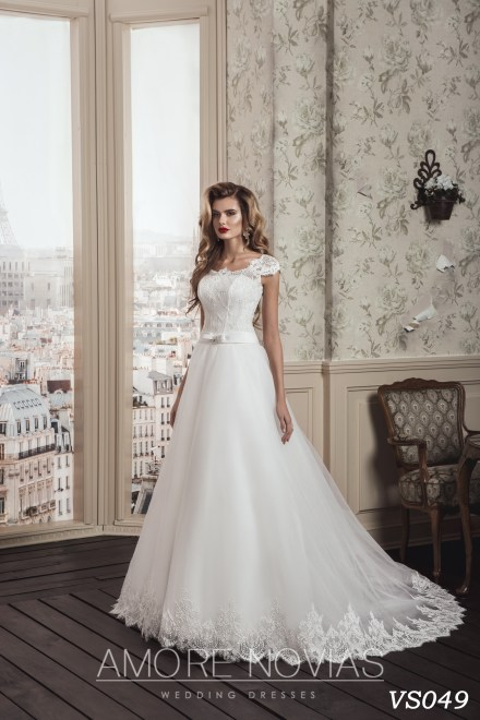 http://amore-novias.com/images/stories/virtuemart/product/vs049.jpg
