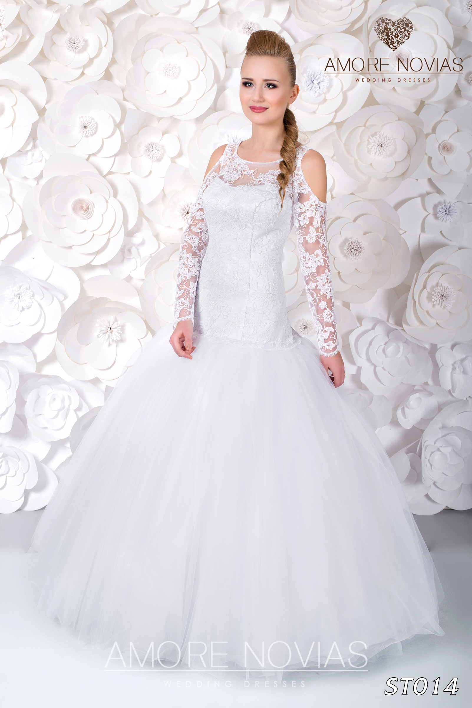 http://amore-novias.com/images/stories/virtuemart/product/st014.jpg
