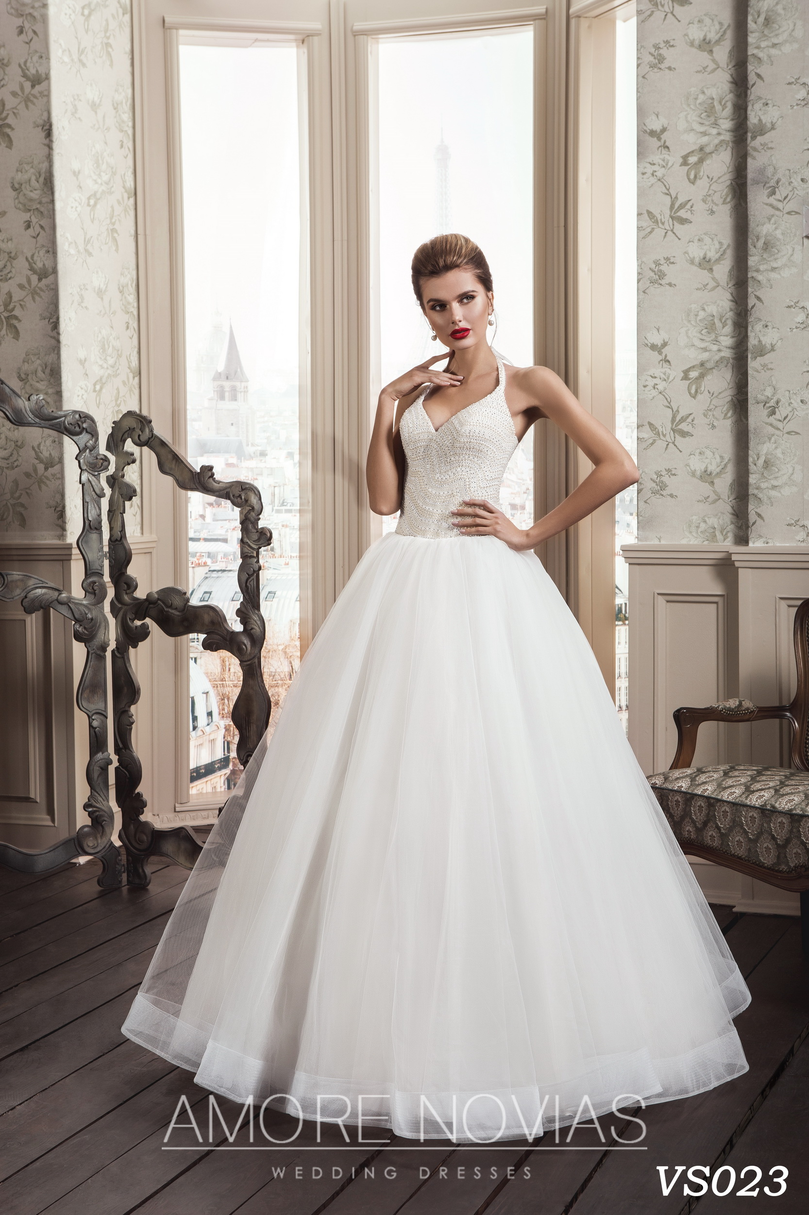 http://amore-novias.com/images/stories/virtuemart/product/vs023.jpg