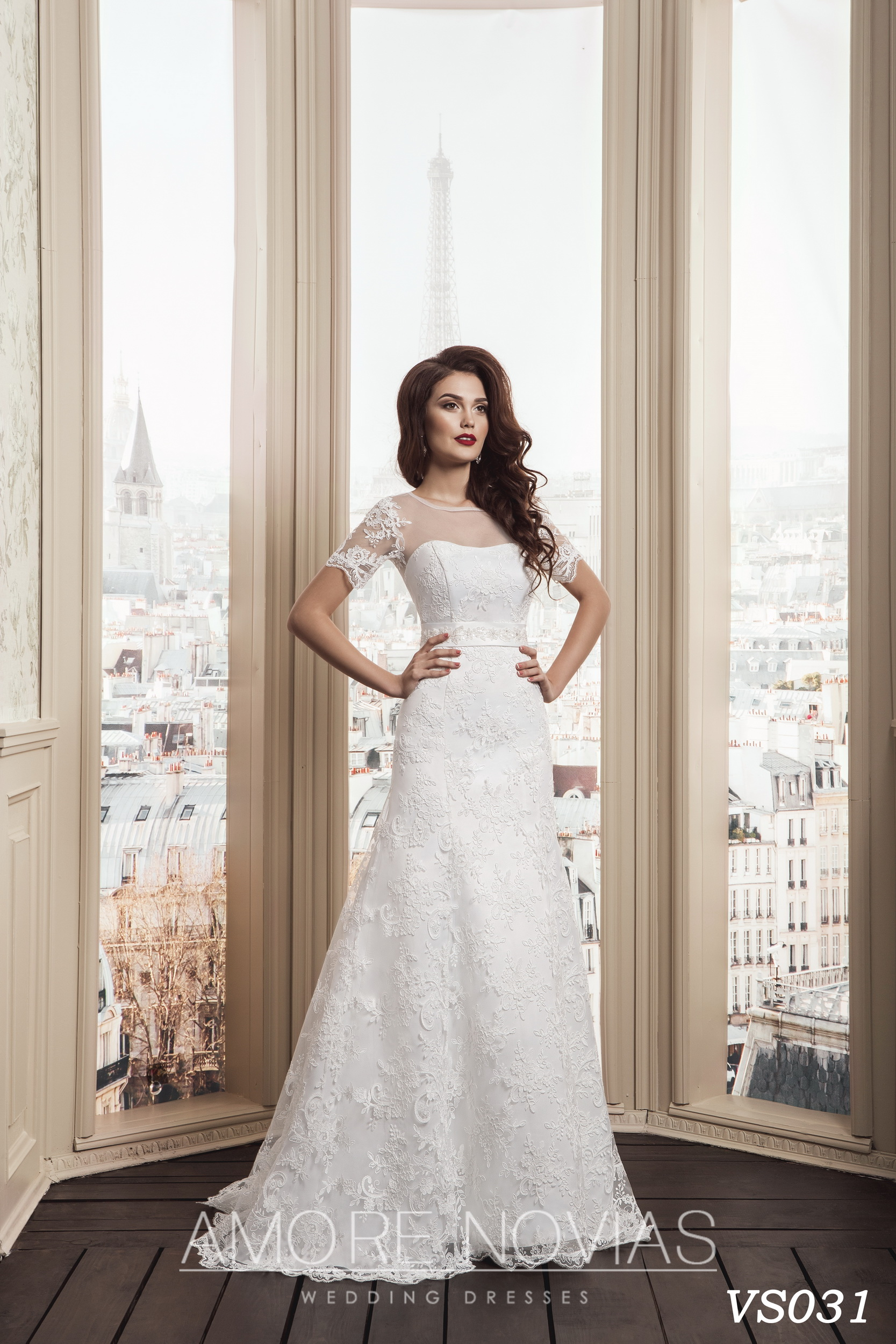 http://amore-novias.com/images/stories/virtuemart/product/vs031.jpg