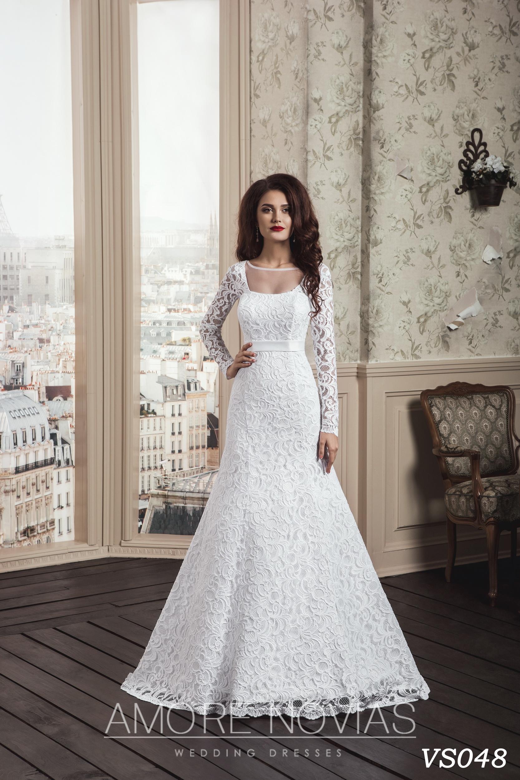 http://amore-novias.com/images/stories/virtuemart/product/vs048.jpg