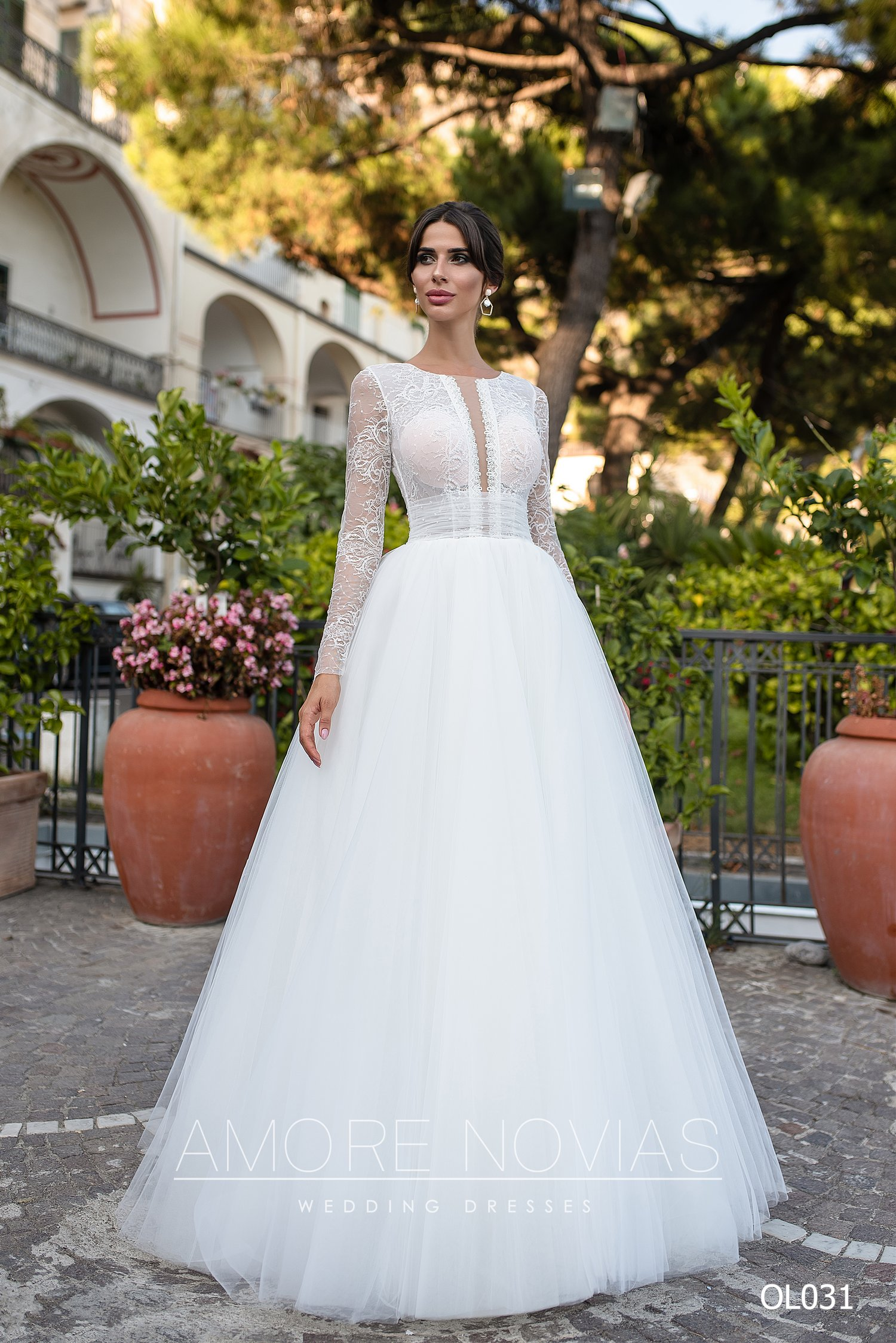 https://amore-novias.com/images/stories/virtuemart/product/OL031       (1).jpg