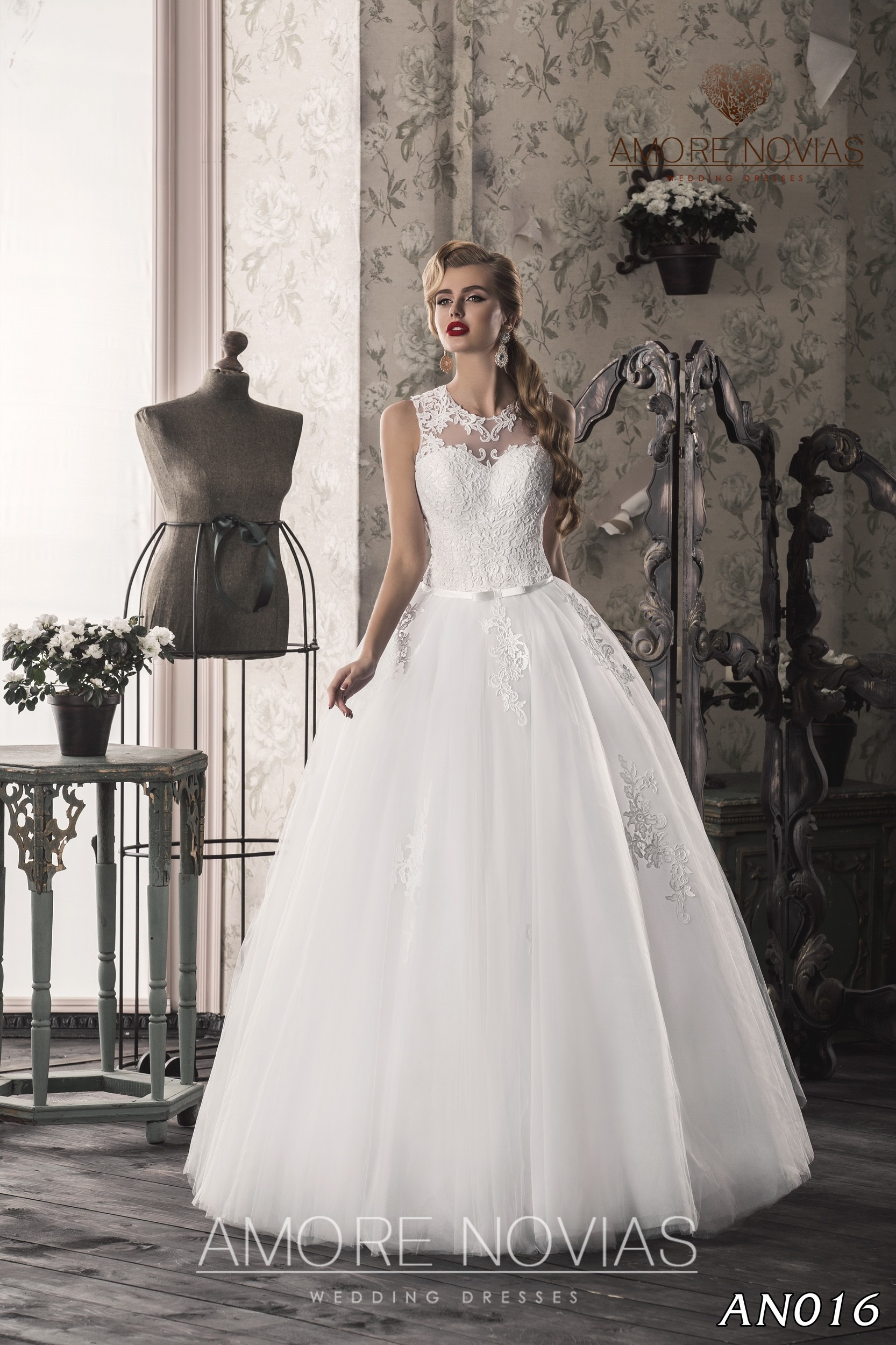 https://amore-novias.com/images/stories/virtuemart/product/an016.jpg