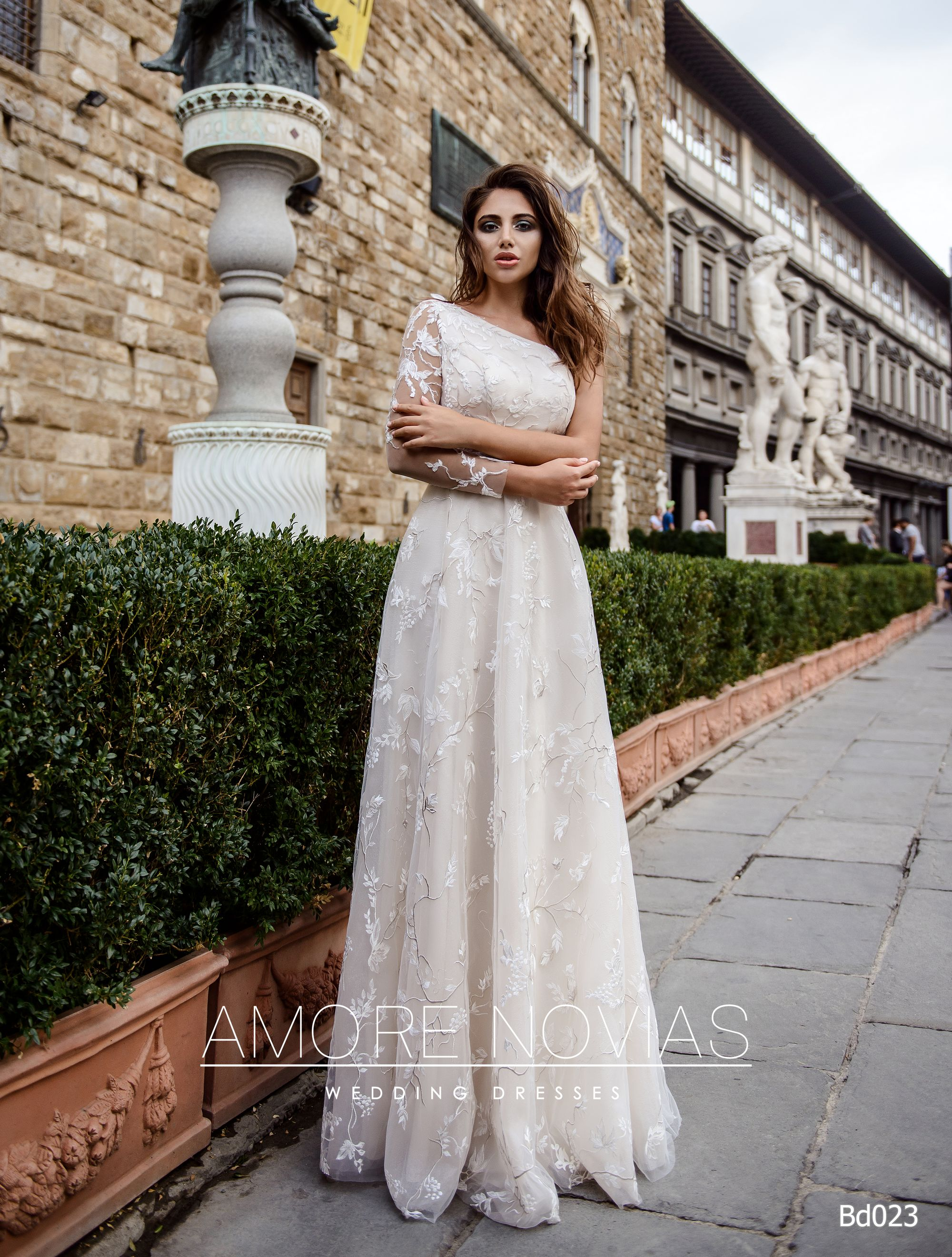 https://amore-novias.com/images/stories/virtuemart/product/bd023-------(1).jpg