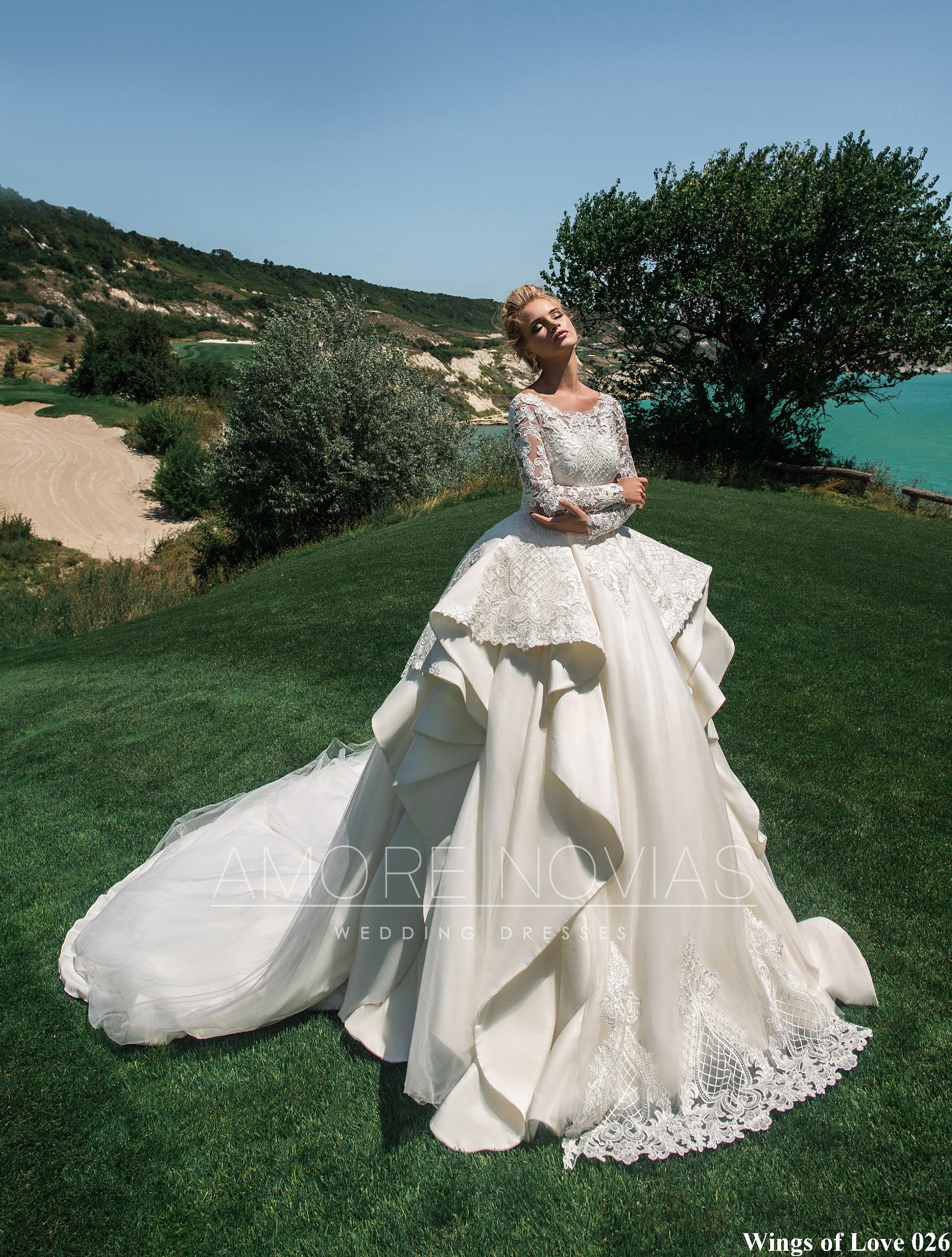 https://amore-novias.com/images/stories/virtuemart/product/lk-026-------(1).jpg
