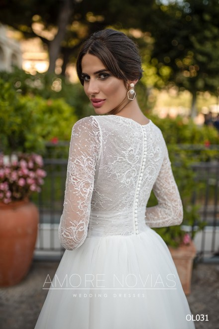 https://amore-novias.com/images/stories/virtuemart/product/OL031       (4).jpg