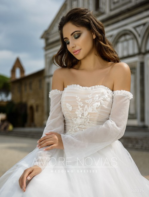 https://amore-novias.com/images/stories/virtuemart/product/bd015-------(2).jpg