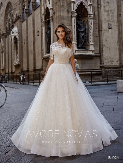 https://amore-novias.com/images/stories/virtuemart/product/bd024-------(1).jpg
