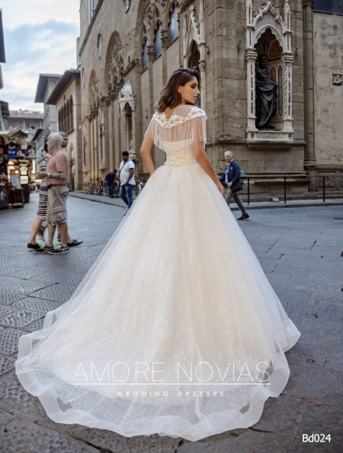https://amore-novias.com/images/stories/virtuemart/product/bd024-------(3).jpg