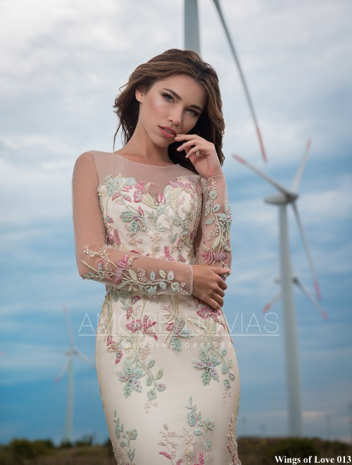 https://amore-novias.com/images/stories/virtuemart/product/lk-013-------(2).jpg