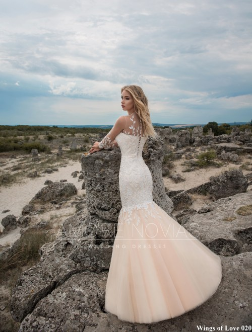 https://amore-novias.com/images/stories/virtuemart/product/lk-020-------(3).jpg