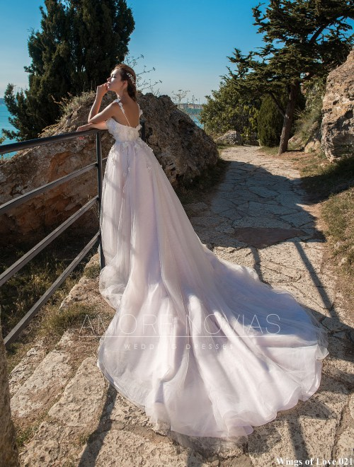 https://amore-novias.com/images/stories/virtuemart/product/lk-021-------(3).jpg